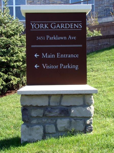 York Gardens wayfinding sign