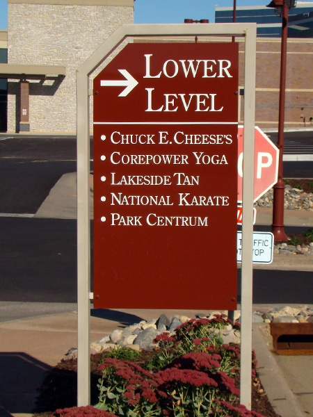 Example of retail wayfinding sign solutions