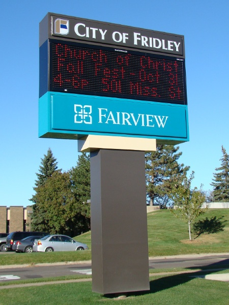 Example of a custom LED pylon sign installed by Spectrum Signs