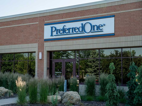 Example of healthcare office building signage ideas