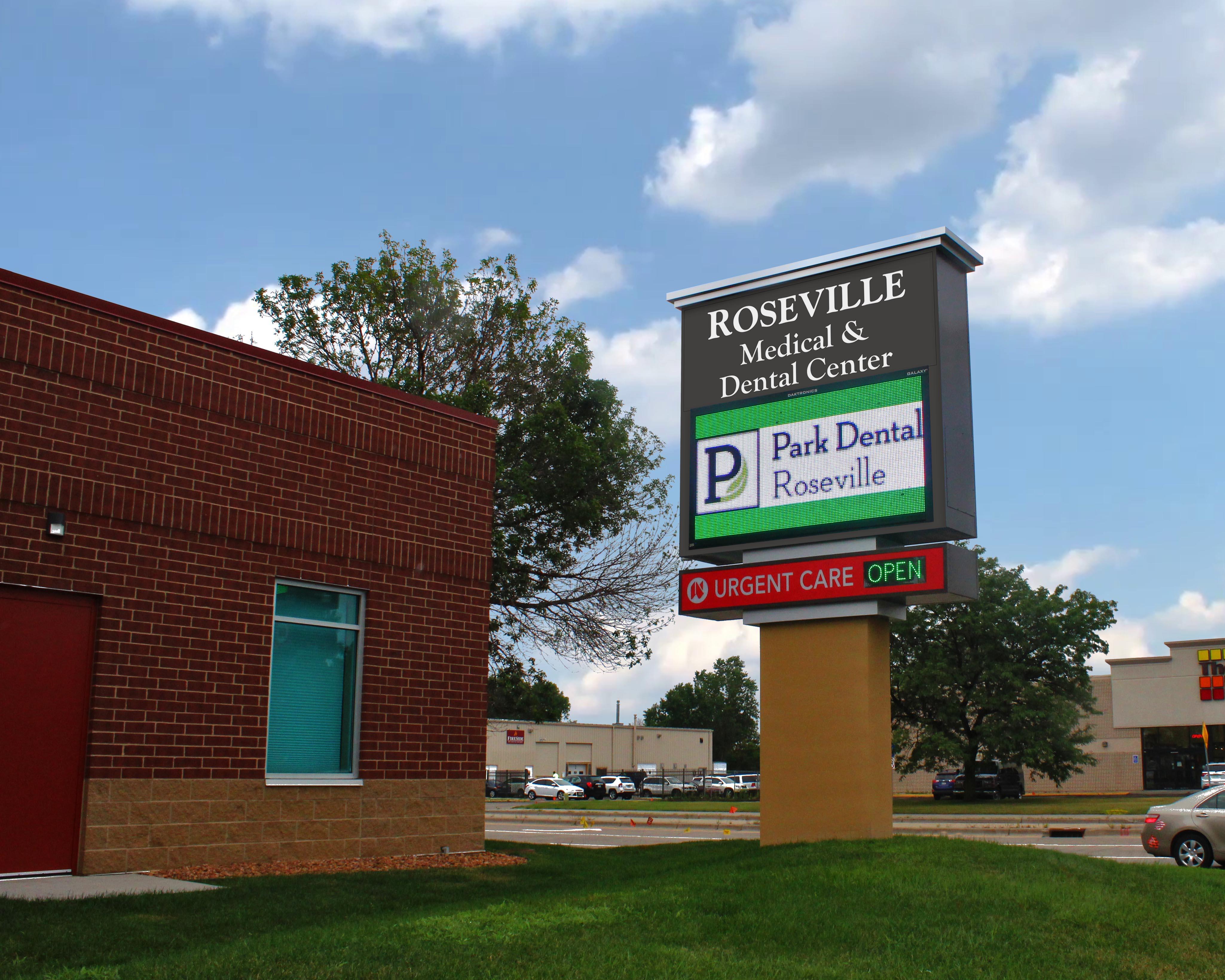 Roseville Medical & Dental Pylon.jpg